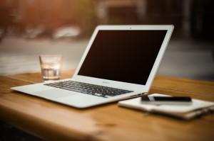 Laptop_Wasser