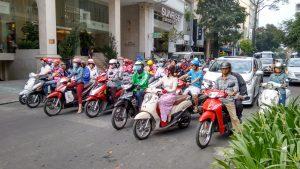 Ho Chi Minh ist hektisch, über 8 Mio. Einwohner und die meisten sind mit dem Mofa unterwegs.
